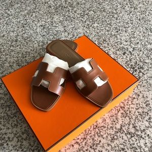 Hermes H flats in size 35.5